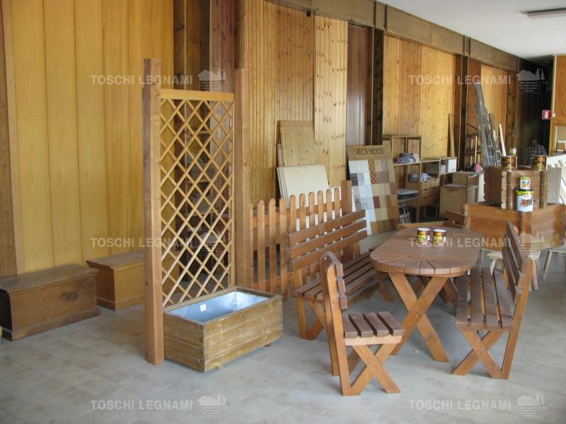 Arredo giardino modena e arredamento giardini toschi legnami for Mobili per terrazzi e giardini